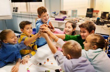 Eigen Kindercommissie in Amsterdam Zuidoost
