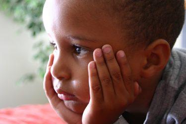 Houd tijdens coronacrisis aandacht voor kwetsbare kinderen