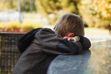 Onderzoek nodig naar uithuisplaatsing gedupeerde kinderen Toeslagenaffaire