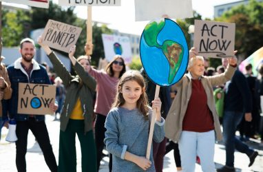 Het VN-Kinderrechtencomité doet uitspraak over klimaatklacht van kinderen